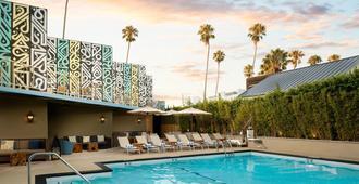 艾美德尔菲娜圣莫尼卡酒店 - 圣莫尼卡 - 游泳池
