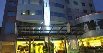 广场里尔套房酒店 - 罗萨里奥