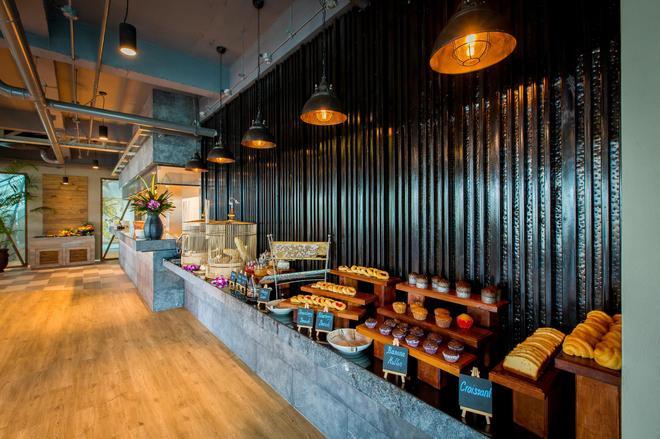芭东山迈之家酒店 - 芭东 - 自助餐