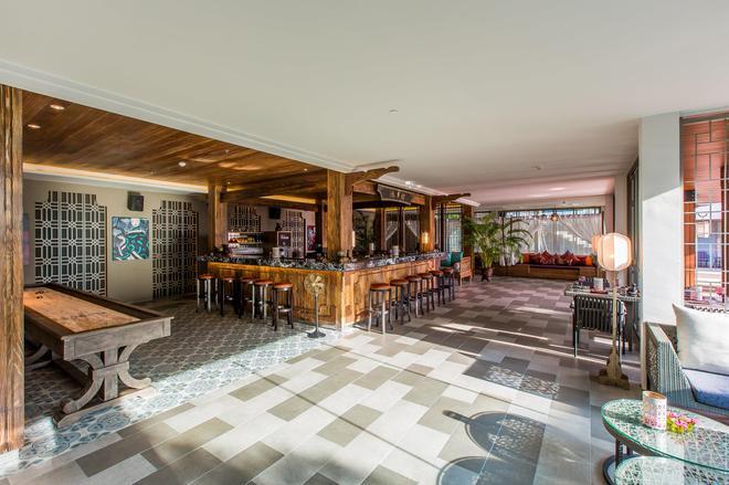 芭东山迈之家酒店 - 芭东 - 酒吧