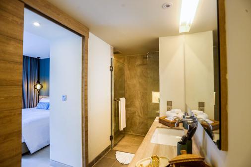 芭东山迈之家酒店 - 芭东 - 浴室