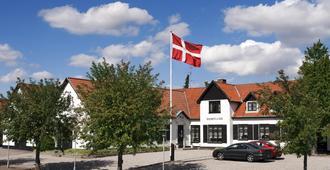 Naesbylund Kro & Hotel - 欧登塞 - 建筑