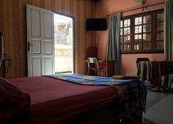 阿格尼斯迎宾酒店 - 达喀尔 - 睡房