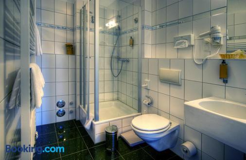 库帕克酒店 - 罗斯托克 - 浴室