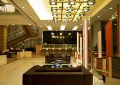 浦那卡拉迪丽笙酒店 - 浦那 - 大厅