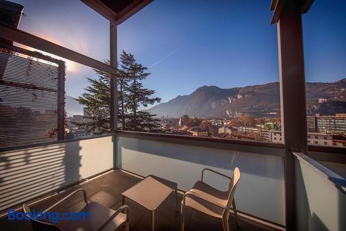 拉维豪华旅馆 - 特伦托 - 阳台