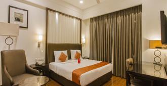 OYO 9960 库比拉皇宫酒店 - 海得拉巴 - 睡房