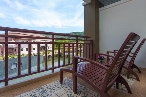 阿尔宾娜普吉纳里娜温泉度假村 - 卡伦海滩 - 阳台