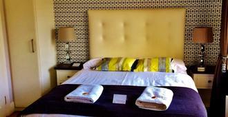 亚比小屋食宿酒店 - 戈尔韦 - 睡房