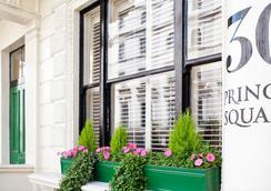 伦敦温哥华一室公寓式酒店 - 伦敦 - 建筑