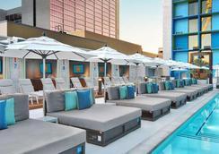 四方赌场酒店 - 拉斯维加斯 - 游泳池