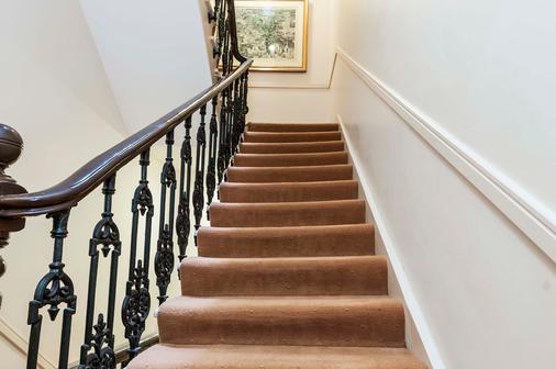 特雷博维尔酒店 - 伦敦 - 楼梯