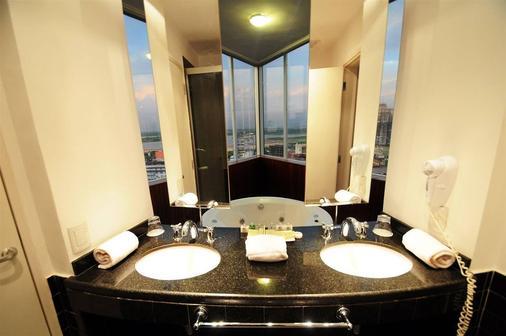 瓜拉尼亚松森酒店 - 亚松森 - 浴室