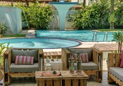 普萨达托卡达普拉亚酒店 - Maresias - 游泳池