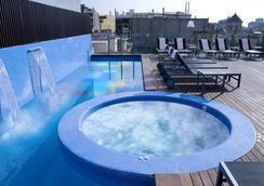 巴塞罗纳埃克斯酒店&都市温泉 - 巴塞罗那 - 游泳池