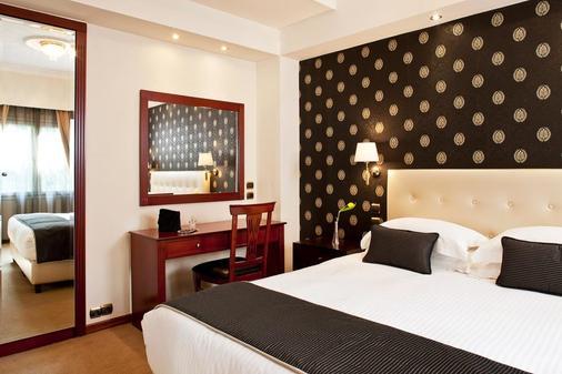 雅典阿瓦套房酒店 - 雅典 - 睡房