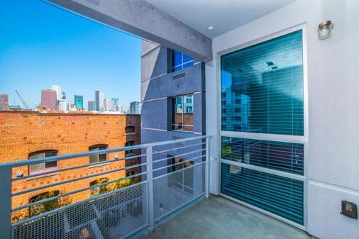 费加罗套房公寓 - 洛杉矶 - 阳台