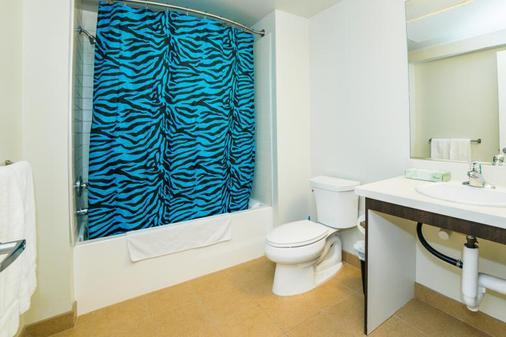 费加罗套房公寓 - 洛杉矶 - 浴室