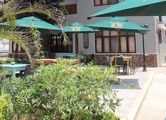 桑莫史基德旅馆及餐厅 - 马普托 - 建筑