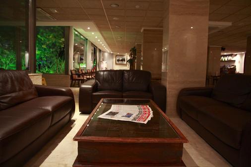 宏泰天堂海滩酒店 - 仅限成人 - Santa Eularia des Riu - 休息厅