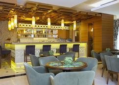 皇家阿萨里克海滩超级度假村 - 博德鲁姆 - 酒吧
