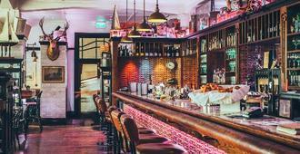 玛索尼克装饰艺术酒店 - 纳皮尔 - 酒吧