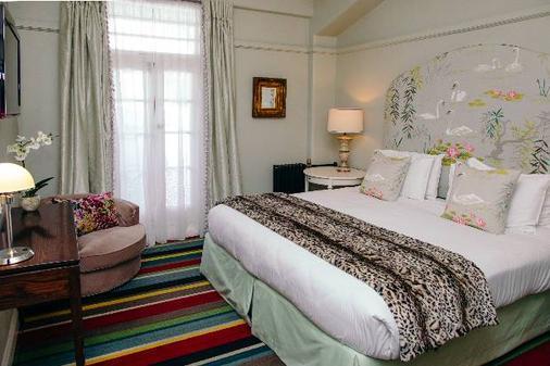 玛索尼克装饰艺术酒店 - 纳皮尔 - 睡房