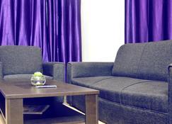 第二家園住宿 - 布巴内斯瓦尔 - 客厅