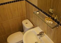 伦敦蓝宝石酒店 - 伦敦 - 浴室