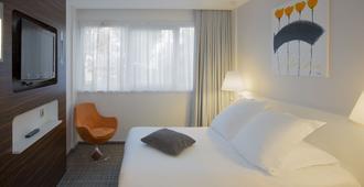 利特莱尔亚历山大维拉贝斯特韦斯特plus酒店 - 克莱蒙费朗 - 睡房