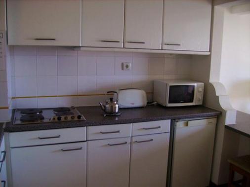 图里斯蒂科斯公寓 - 波尔蒂芒 - 厨房