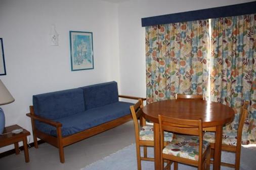 图里斯蒂科斯公寓 - 波尔蒂芒 - 客厅