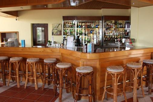 图里斯蒂科斯公寓 - 波尔蒂芒 - 酒吧