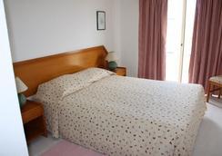 图里斯蒂科斯公寓 - 波尔蒂芒 - 睡房