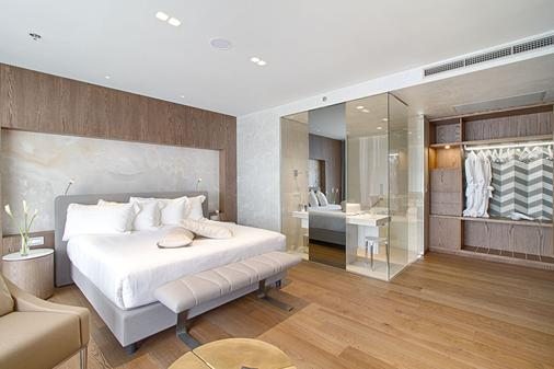 地拉那广场酒店 - 地拉那 - 睡房