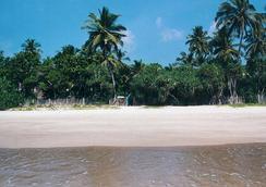 Surya Garden - Tangalla - 海滩