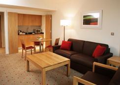 都柏林利菲山谷克拉丽奥酒店 - 都柏林 - 睡房