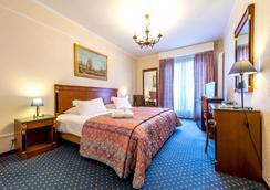 迪普乐玛特酒店 - 日内瓦 - 睡房