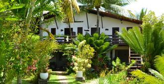 丹德夏莱斯村 - 莫鲁-迪圣保罗 - 建筑