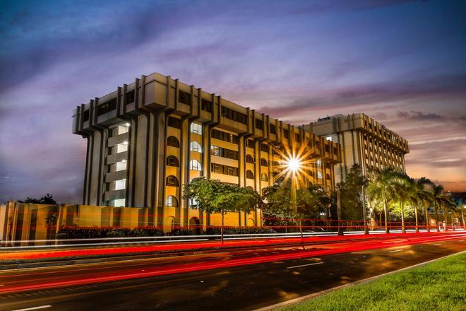 克拉里恩套房旅馆-迈阿密机场 - 迈阿密泉 - 建筑
