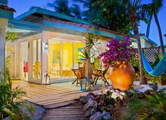 阿鲁巴博多路小酒店 - 棕榈滩 - 建筑