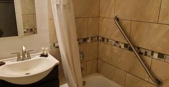 沙漠山丘汽车旅馆 - 拉斯维加斯 - 浴室