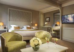 罗切斯特香榭丽舍酒店 - 巴黎 - 睡房