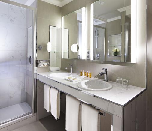 罗切斯特香榭丽舍酒店 - 巴黎 - 浴室