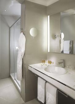 富荣特纳城堡酒店 - 巴黎 - 浴室