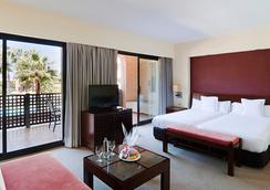 伊斯兰蒂亚高尔夫度假酒店 - 拉安蒂拉 - 睡房