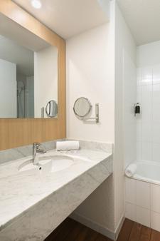快乐文化伊纳斯酒店 - 图卢兹 - 浴室
