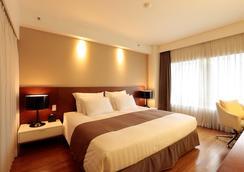 最佳西方精品国都酒店 - 首尔 - 睡房