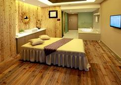 武汉纽宾凯鲁广国际酒店 - 武汉 - 睡房
