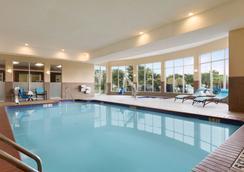 阿比林希尔顿花园酒店 - 阿比林 - 游泳池